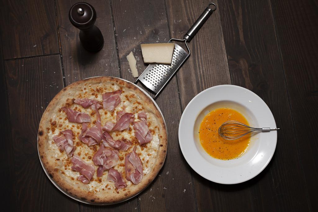 Pizza bacon con queso
